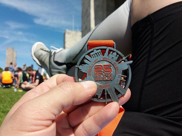 S25 Mit Medaille